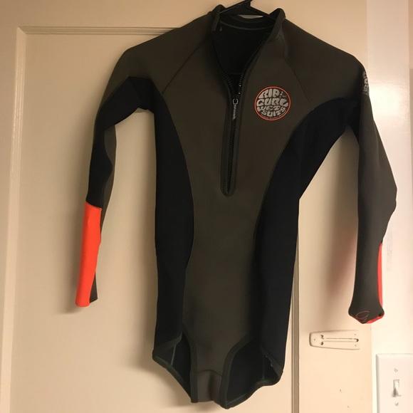 5af2fa0ffc RIP CURL 1mm wetsuit. M 5b81f7021b3294e61822496a